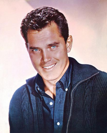 jeffrey-hunter_u-l-pjt5ac0